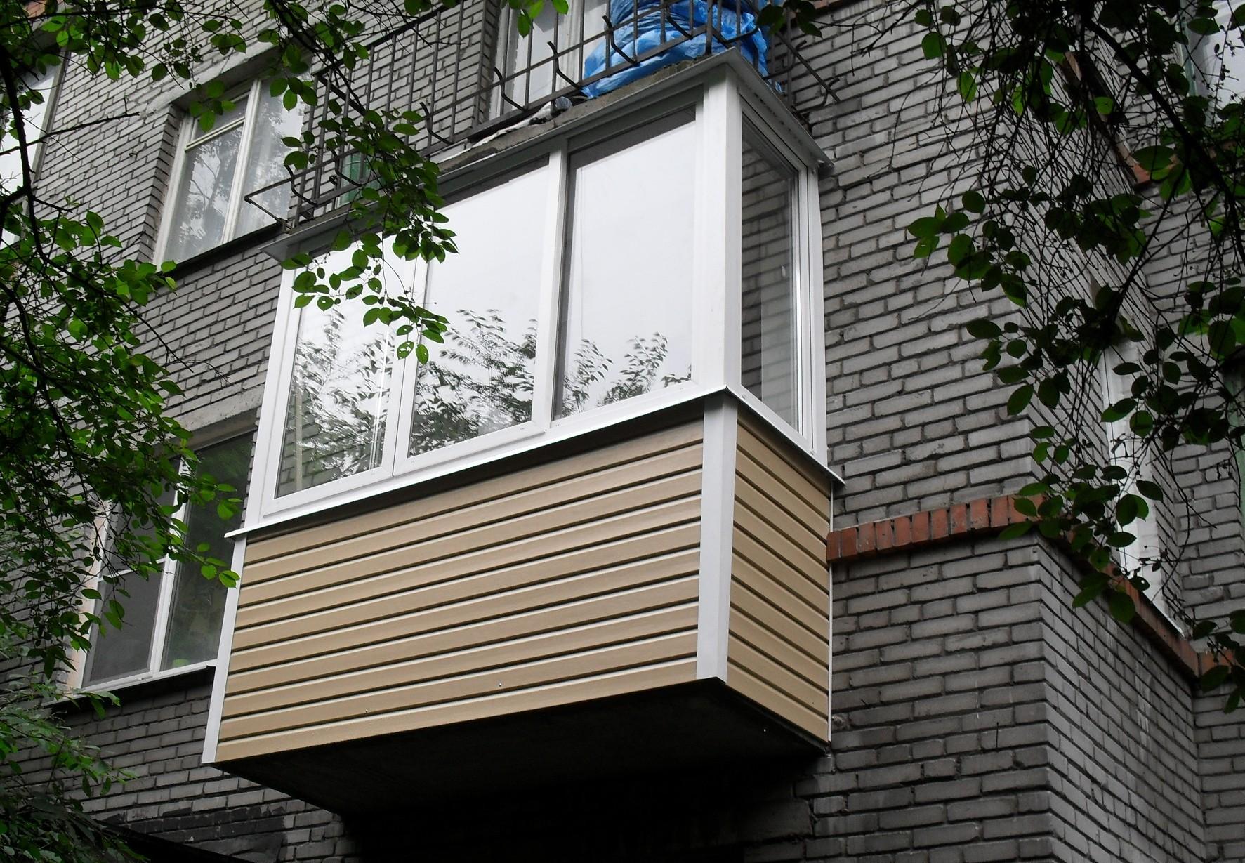 """Отделка балконов и лоджий - """"теплые окна"""" - хабаровск."""